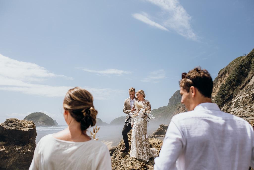 P&B blog New Plymouth Wedding-117.jpg