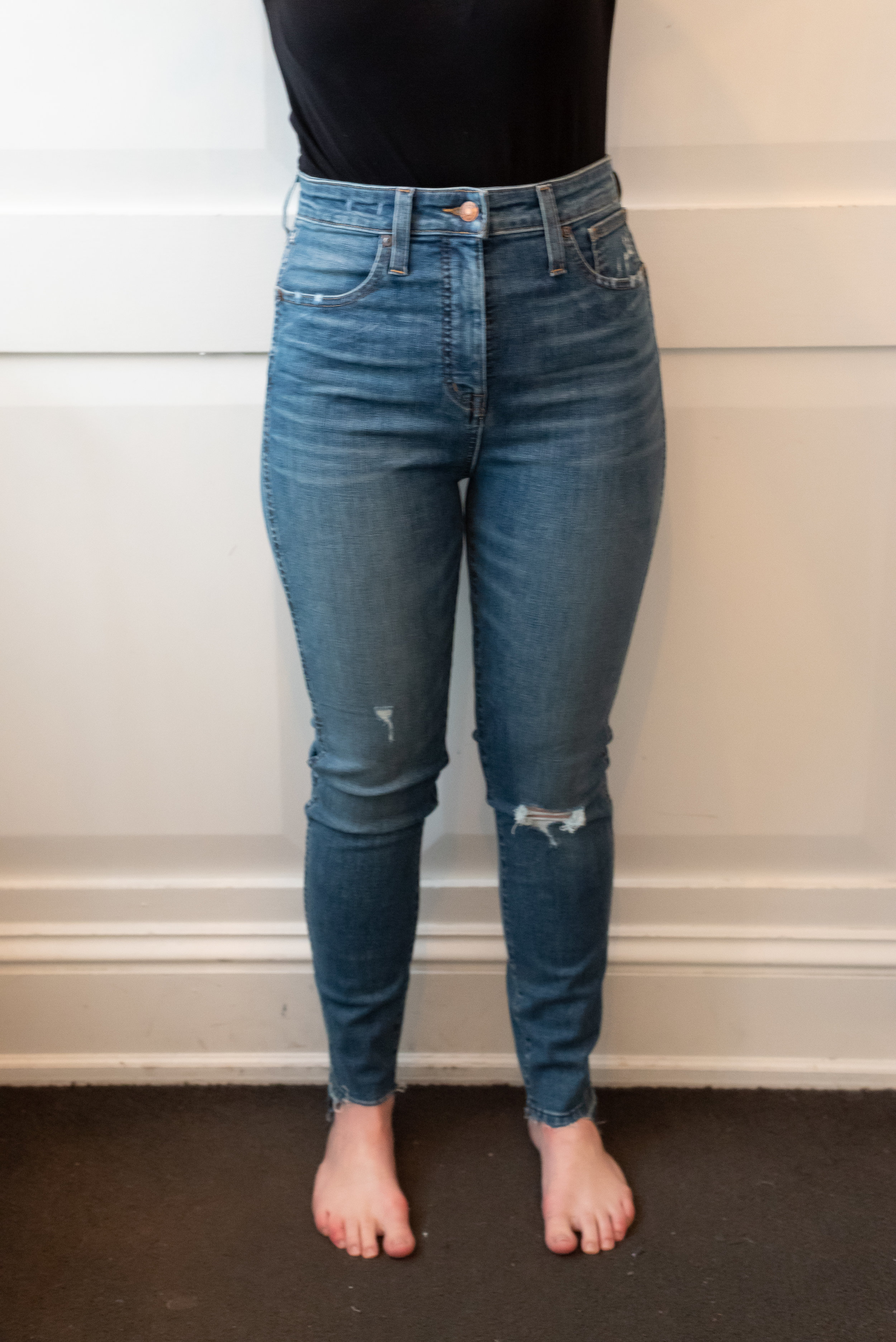 Madewell Curvy High Rise Skinny Jeans - Size 28 - Front View