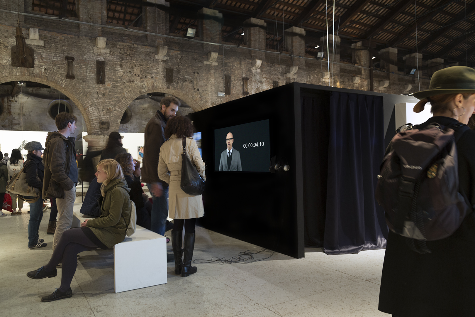 Pandere    r (Seventeen Seconds) ,   2016    Single-Channel Video Installed at the Arsenale   —   Venice, Italy