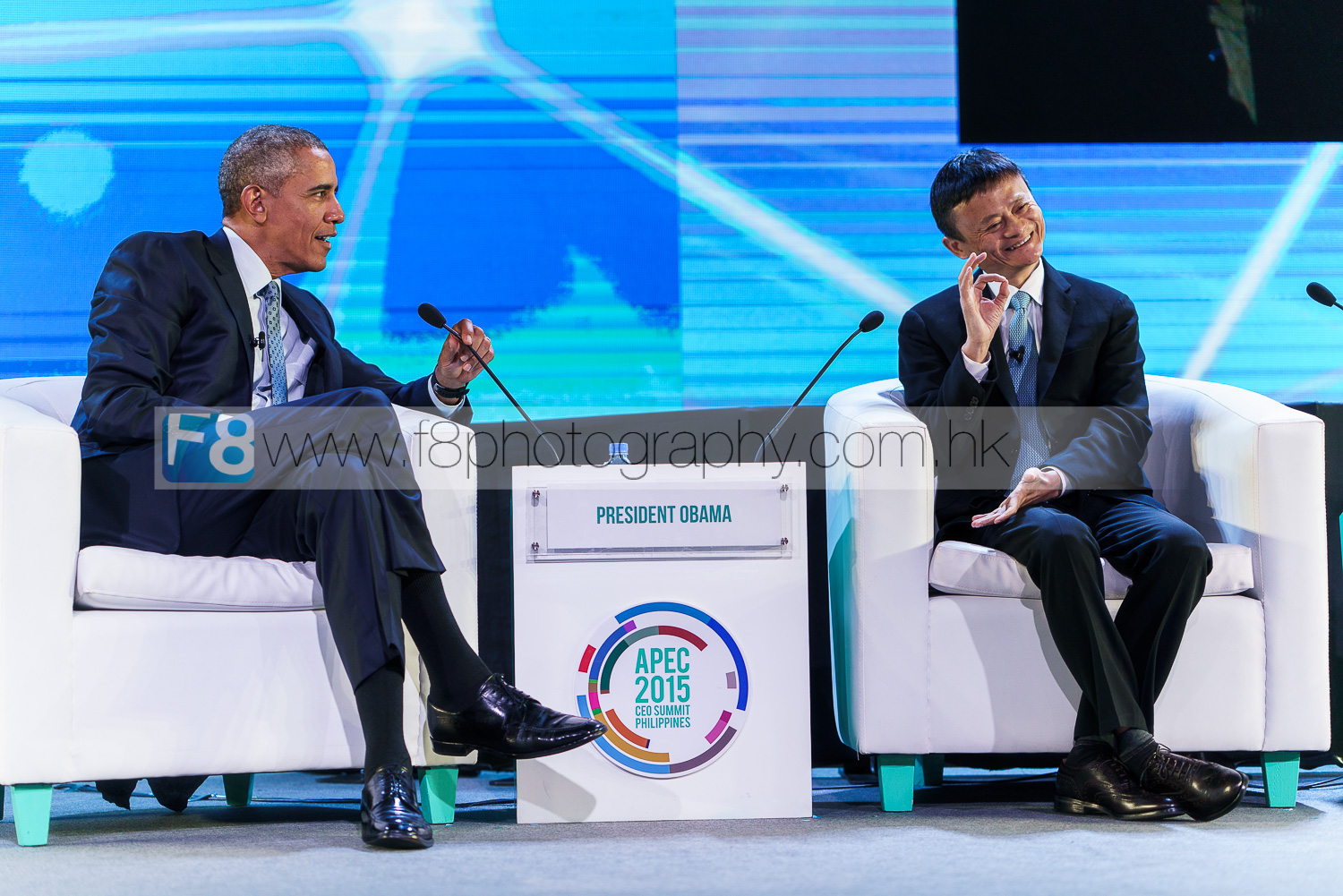 president of the united states on stage with jack ma from alibaba.com