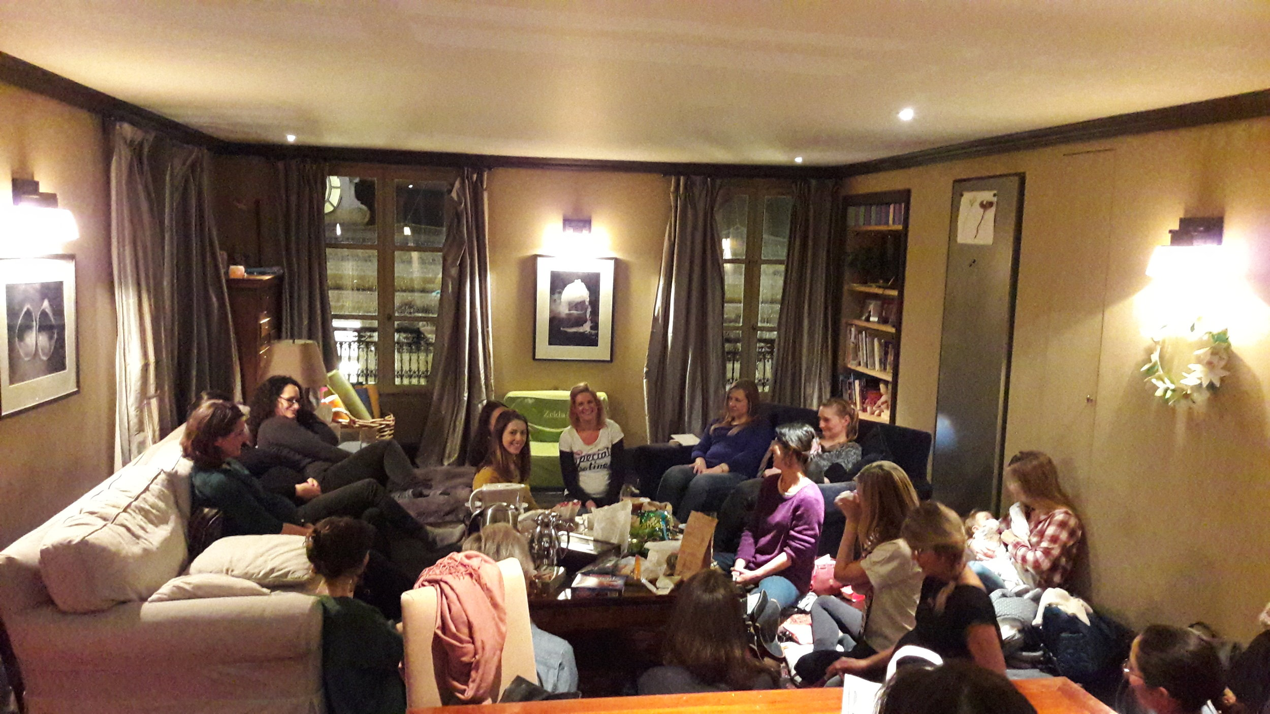 The Paris Positive Birth Movement gathering January 2017.  Find out more about the PBM & our FREE monthly meetings on our Facebook page here:  https://www.facebook.com/PositiveBirthMovementParis/