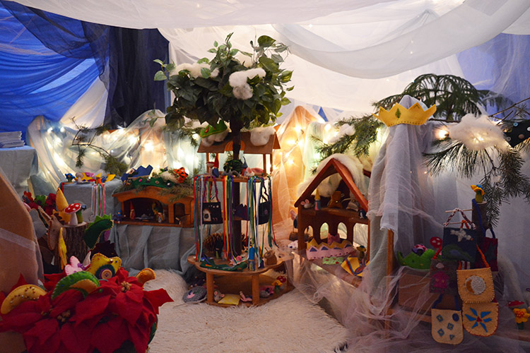 There was a line down the hall for the always magical Angel Room, thanks to the early childhood parents and teachers who put so much effort into this quintessential fair activity.