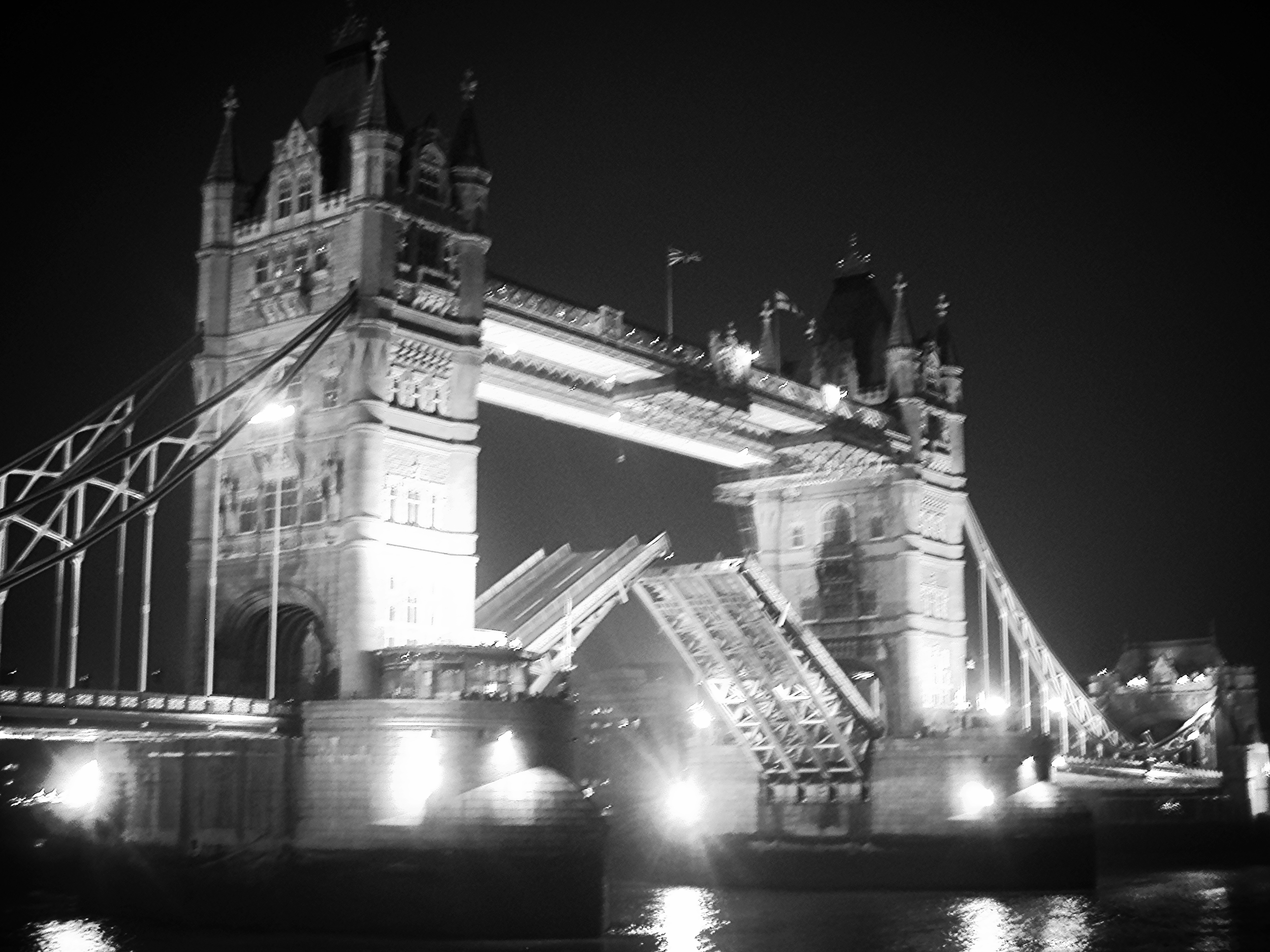 Welcome to london! you might be murdered but check out this cool bridge!