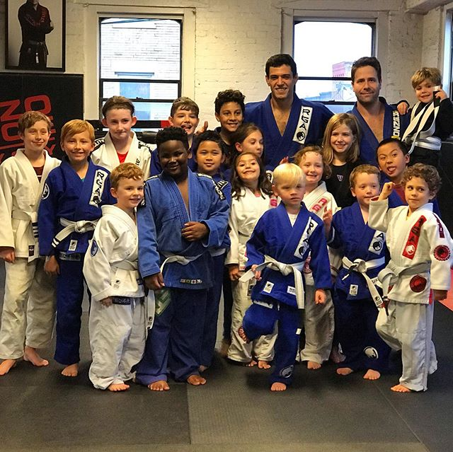 Super fun kids class!!! Congrats to Sawyer @teeters on graduating to White Belt Advanced!!!