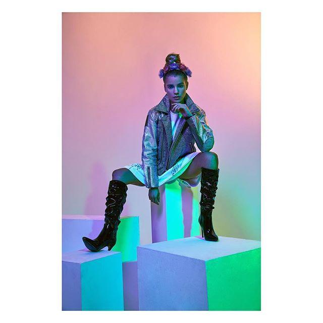 GAME OVER   @dreamingless  Art direction @theyinglui  Model @gracey_hodge @models1  HMUA @imagebyella  Styling @shortiestyles  #london #studio #editorial #fashion #beauty #portrait #submission #magazine #model #photography #fashionphotography #picoftheday #dreaminglessmagazine