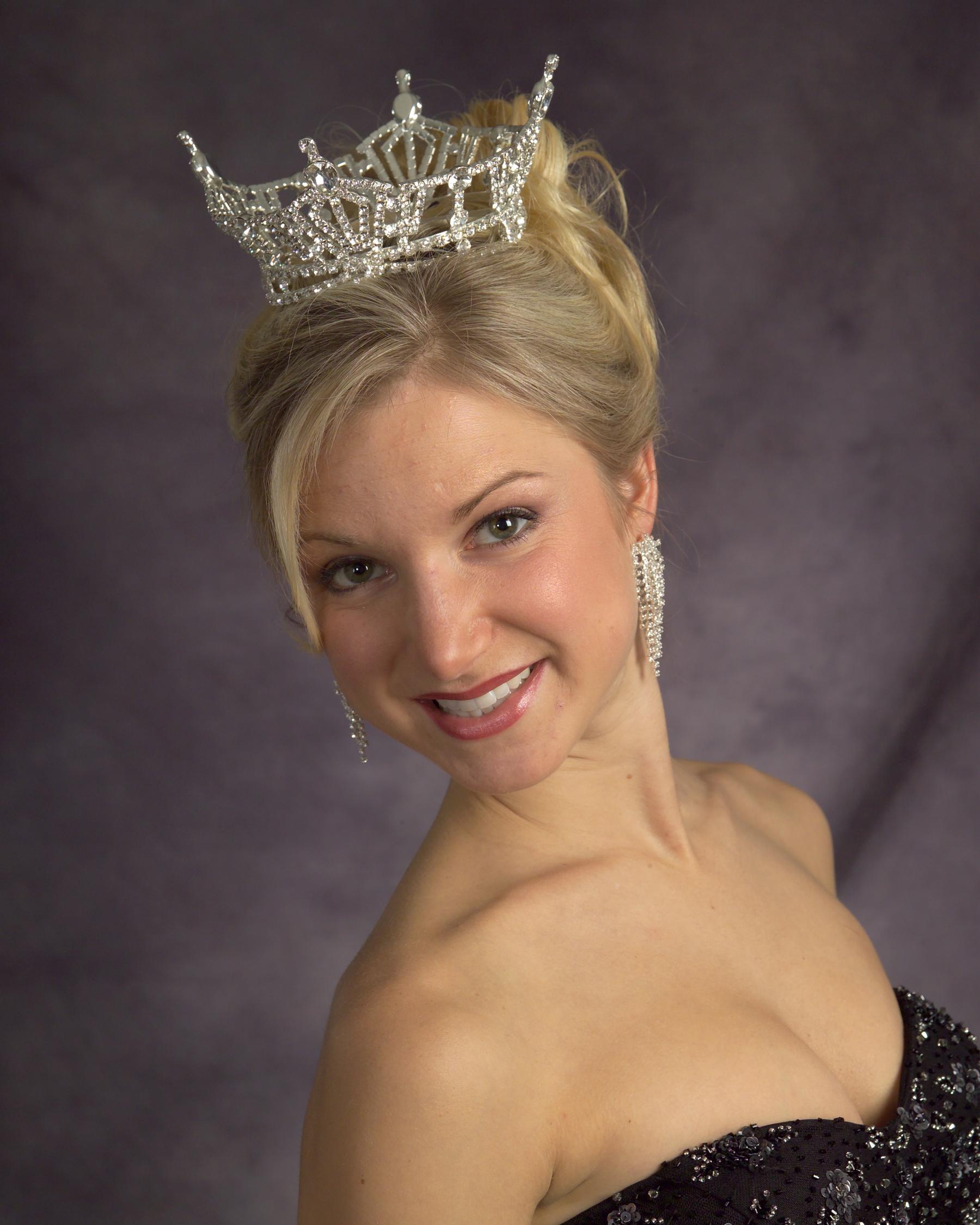 2007 Annette Olson.jpg