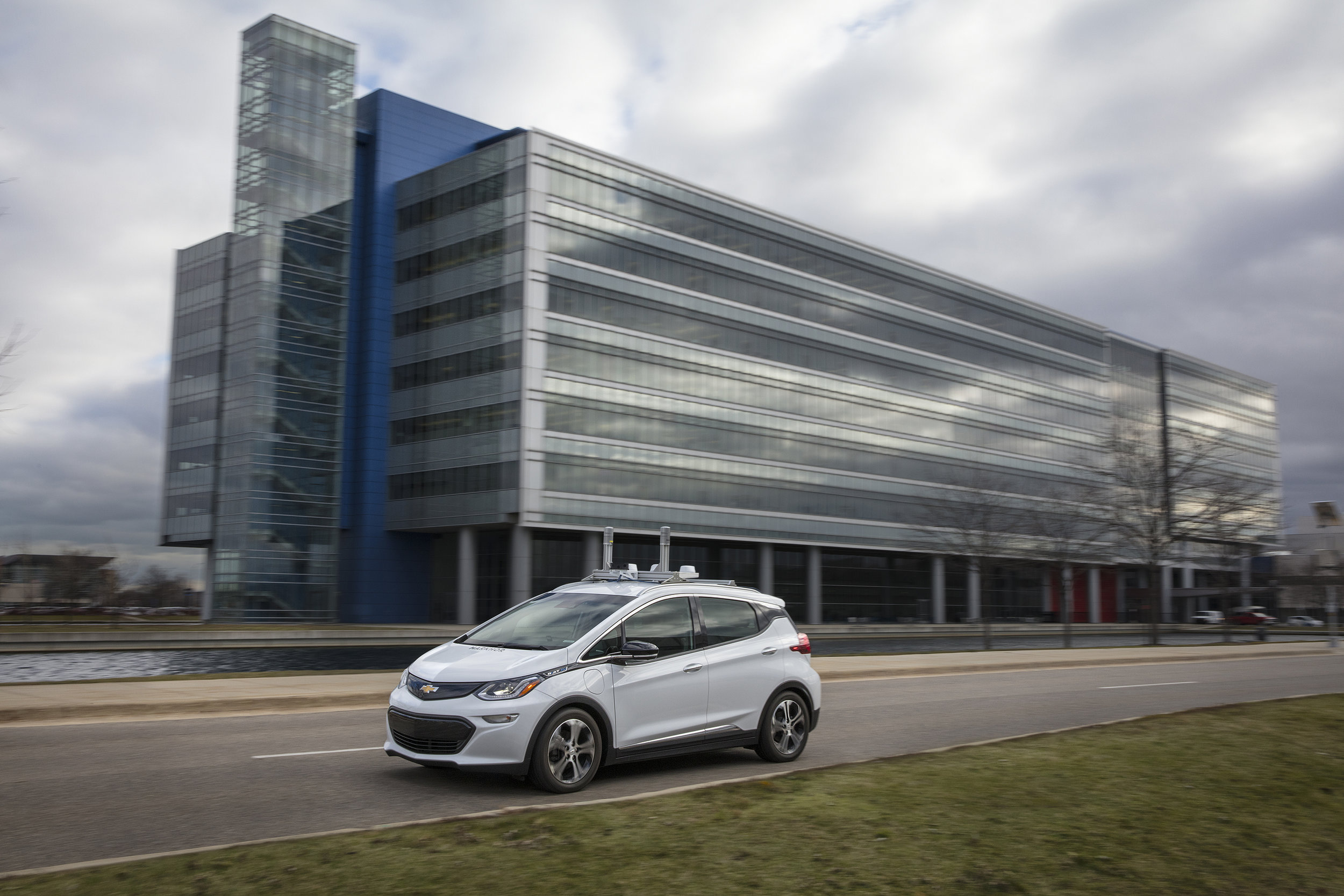 General Motors has begun testing fully autonomous development fleet vehicles on public roads in Michigan, starting with roads nearby its Technical Center in Warren.
