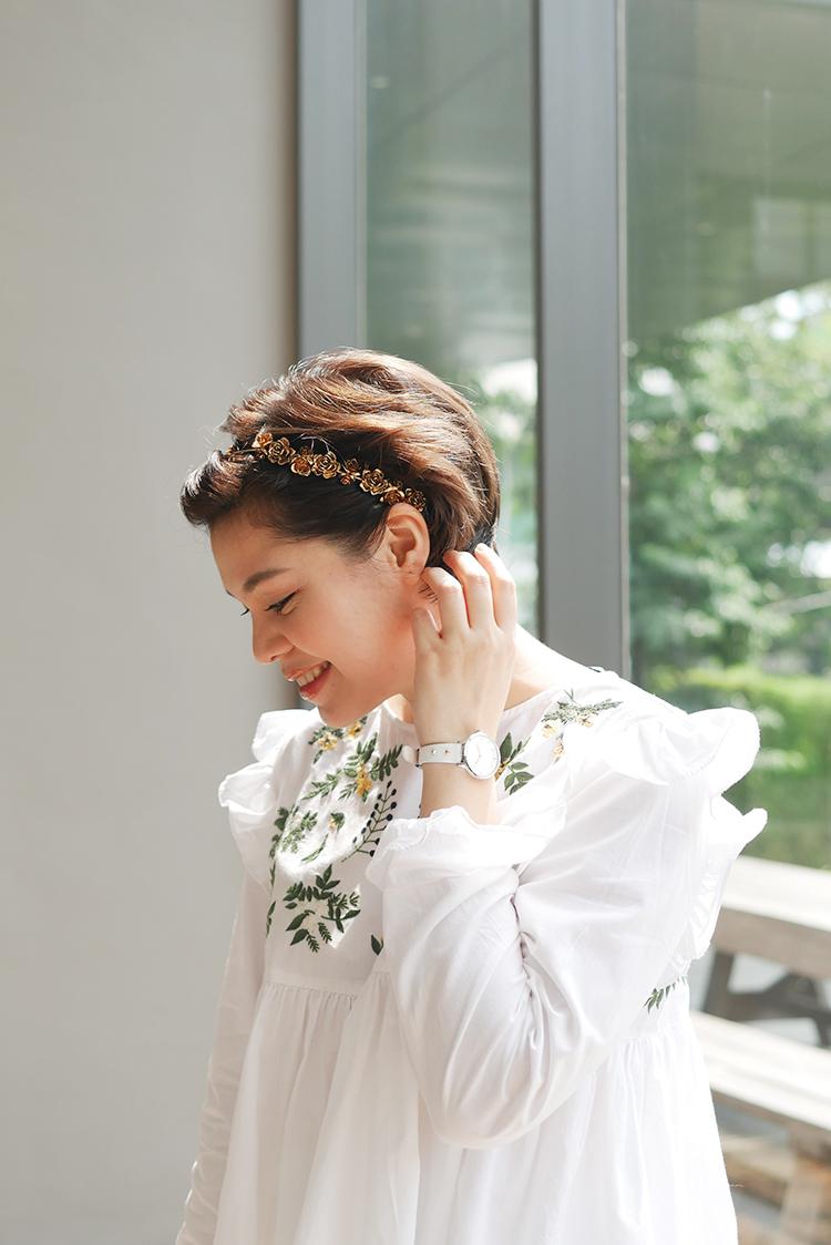 Floral_White_On_White.jpg