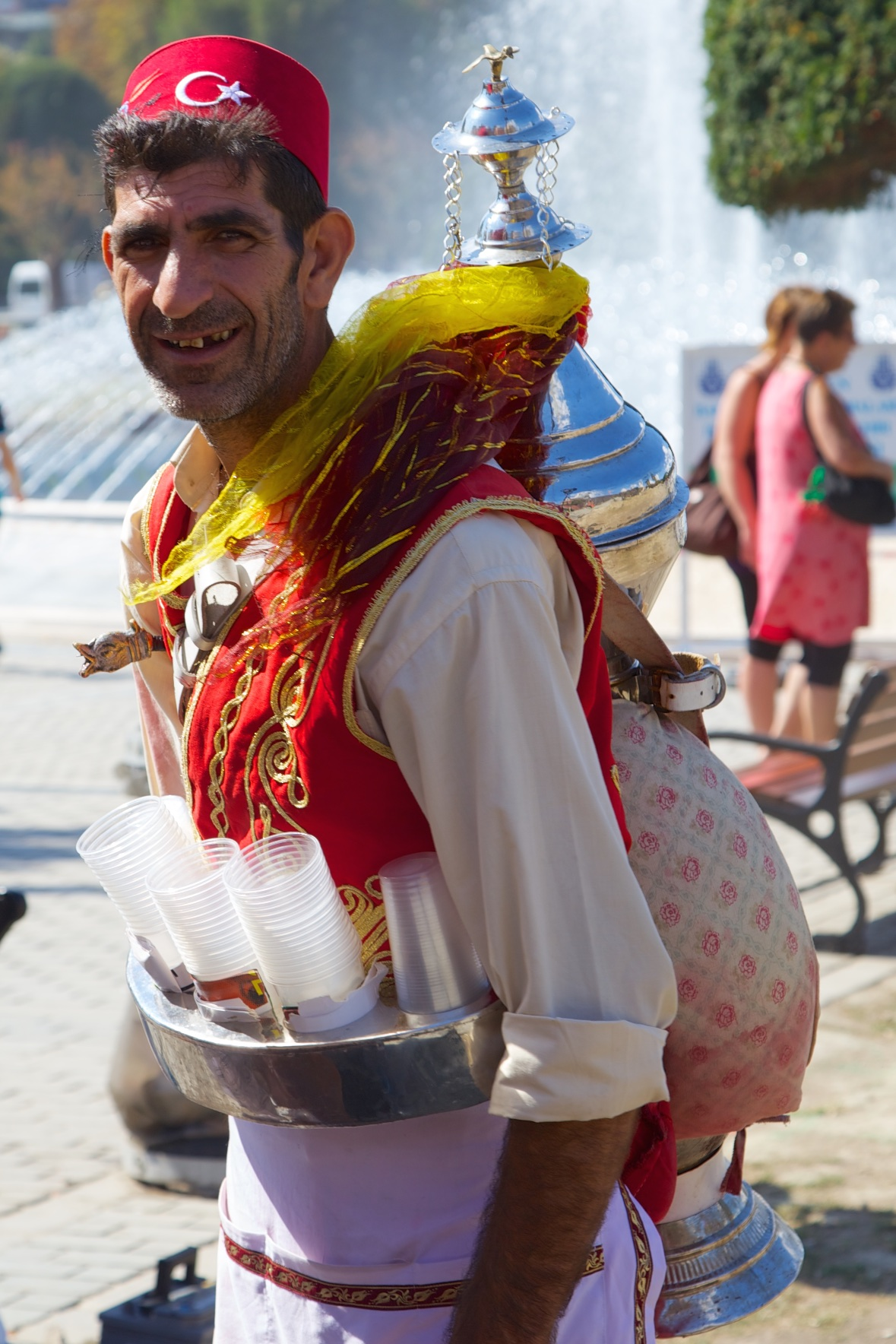 An ambulating soft drink barman. Istanbul, Turkey