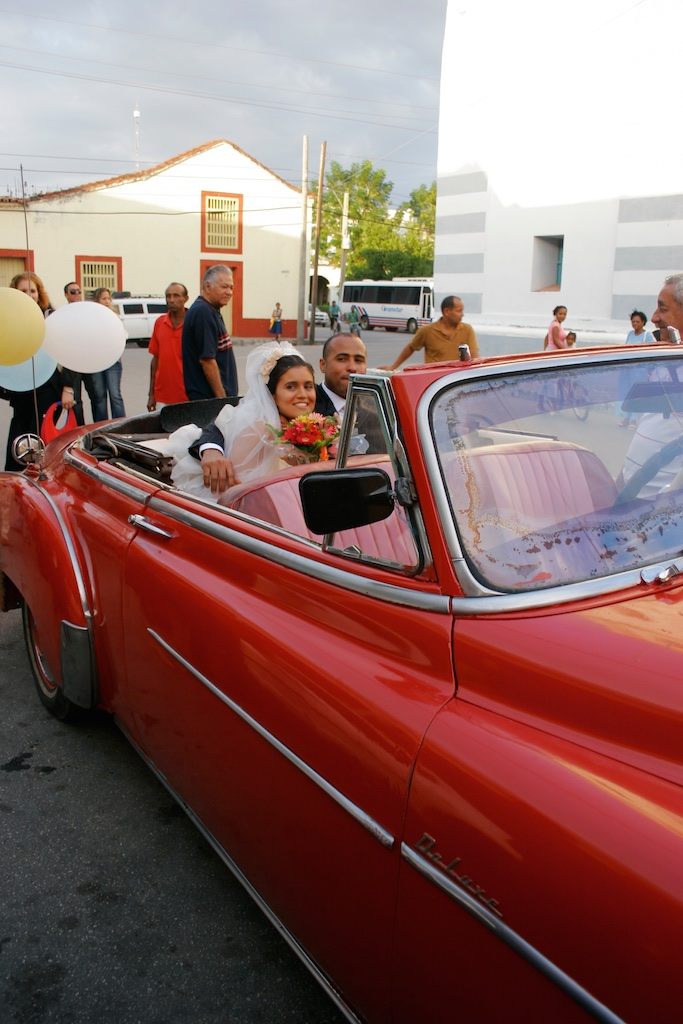 Marriage with a touch of the fifties. Cuba