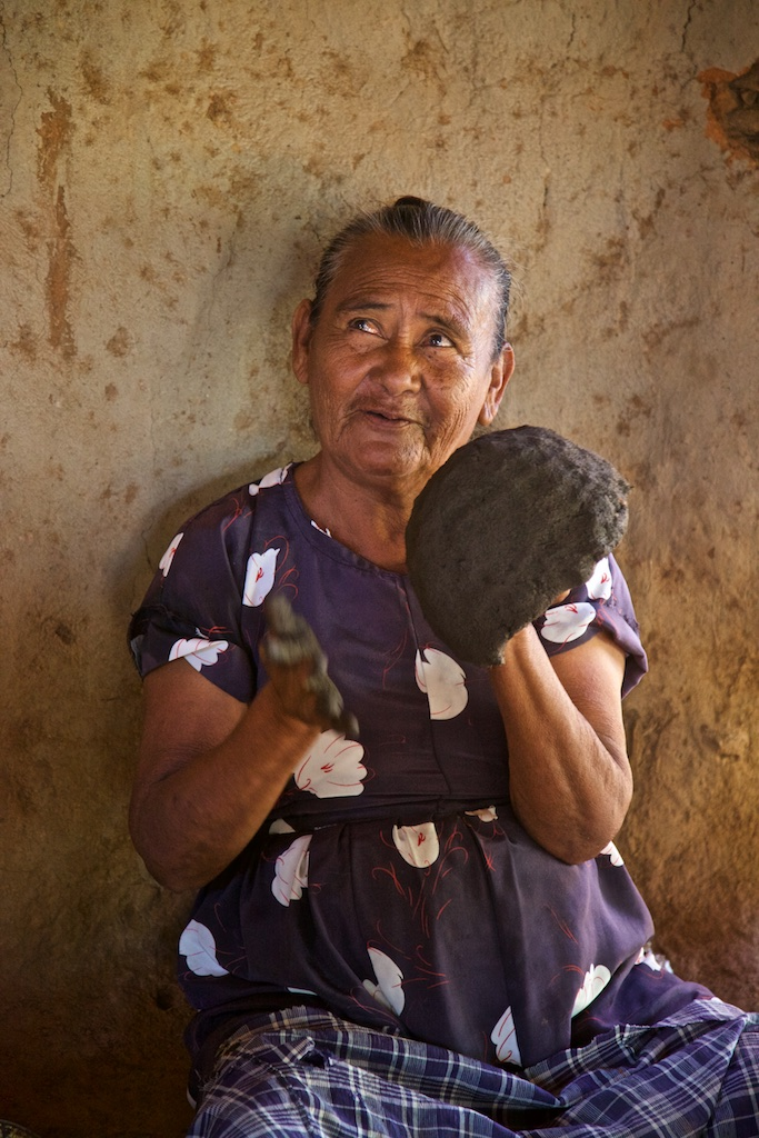Pottery making, El Fuerte, Mexico