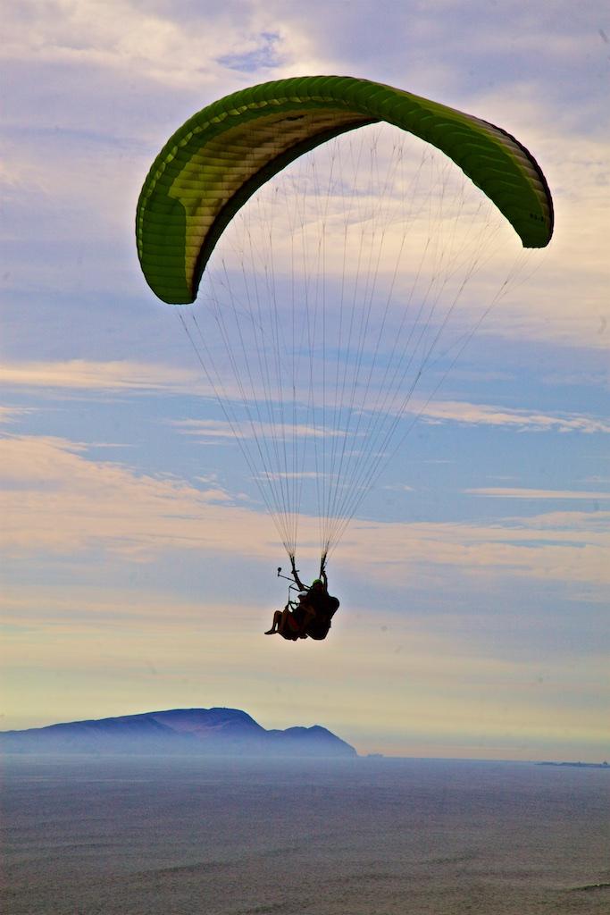 Skydiving. Miraflores, Peru