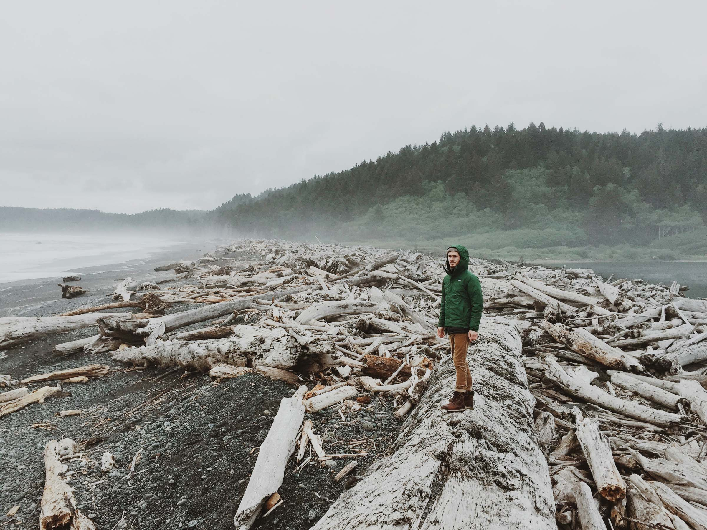 Outdoor adventure portrait La Push | Katch Silva