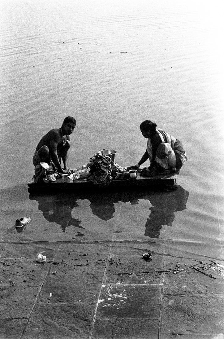 V22  Varanasi-35mm film