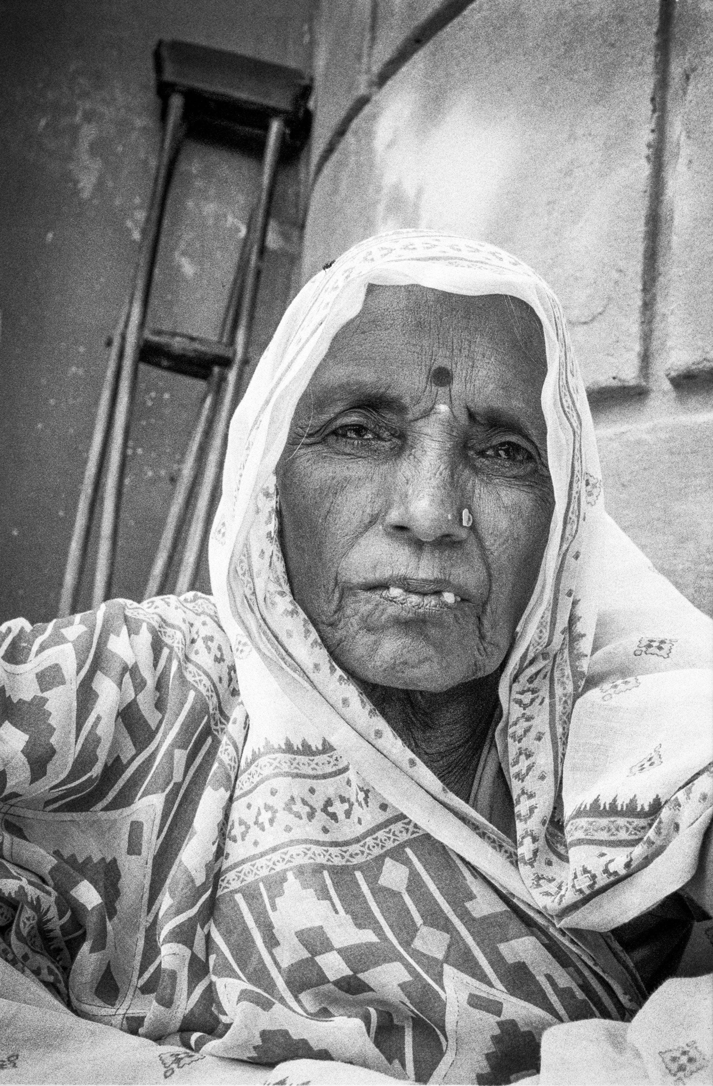 V33  Varanasi-35mm film