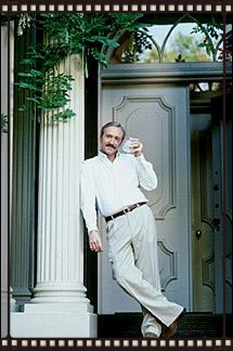 Kevin Spacey plays Jim Williams standing in front of the actual home off of Monterey Square.