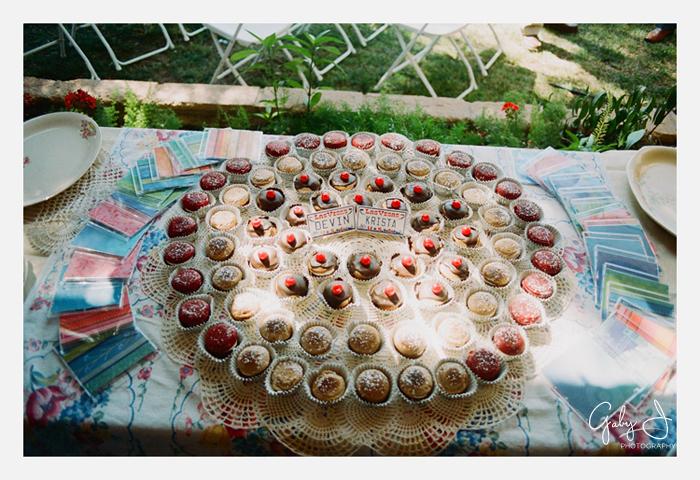 DIY las vegas backyard wedding Gaby J Photography_017