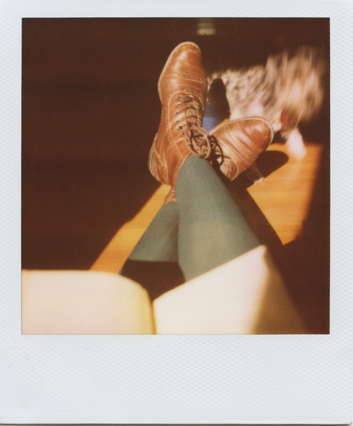 gaby j photography vintage books polaroid 07