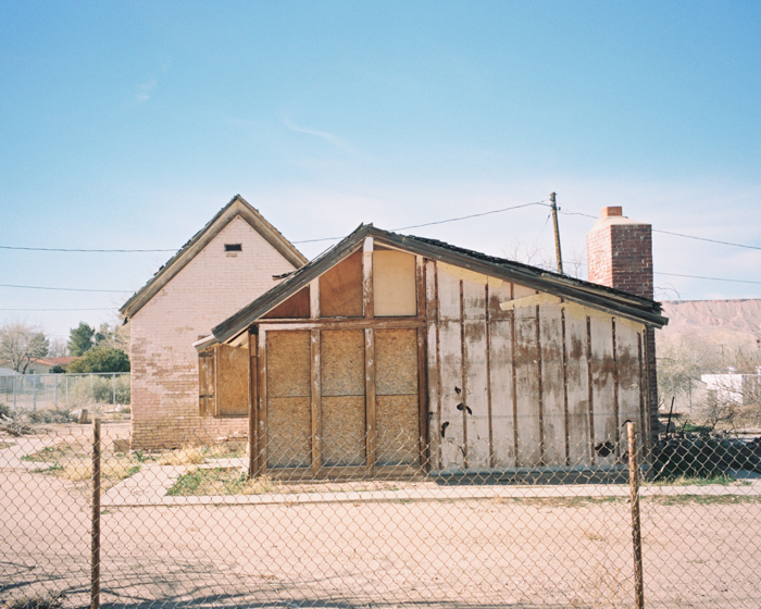 pink abandoned house in bunkerville nevada