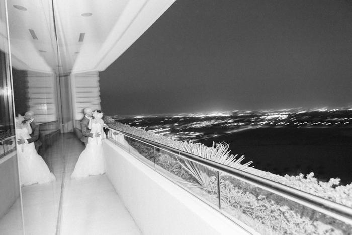 penthouse suite las vegas classic wedding 52