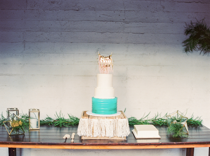 las vegas teal wedding cake freeds bakery