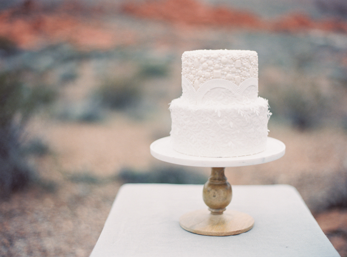 desert and indigo inspired valley of fire wedding cake