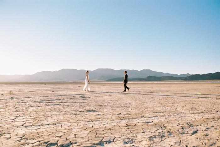 intimate indie desert vegas wedding photo 28