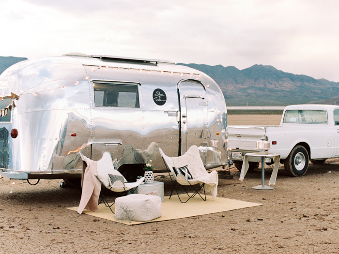 las vegas flora pop silver trailer desert wedding photo 4
