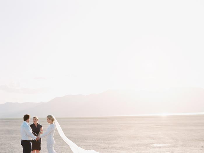 las vegas outdoors elopement photo 16.jpg