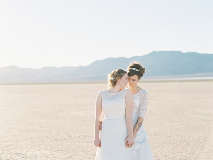 romantic eldorado dry lake bed elopement | las vegas elopement photographer| gaby j photography | same sex desert elopement inspiration