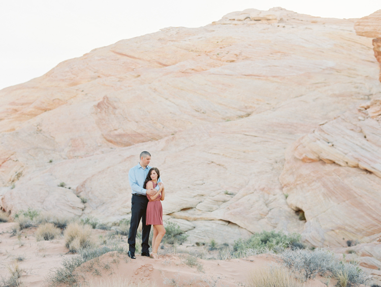 las vegas engagement photographer | valley of fire engagement photography | desert engagement locations | gaby j photography