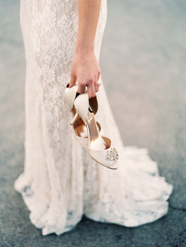 small wedding at red rock canyon national park | desert elopement | gaby j photography | las vegas elopement | dreamnette bridal | badgley mischka