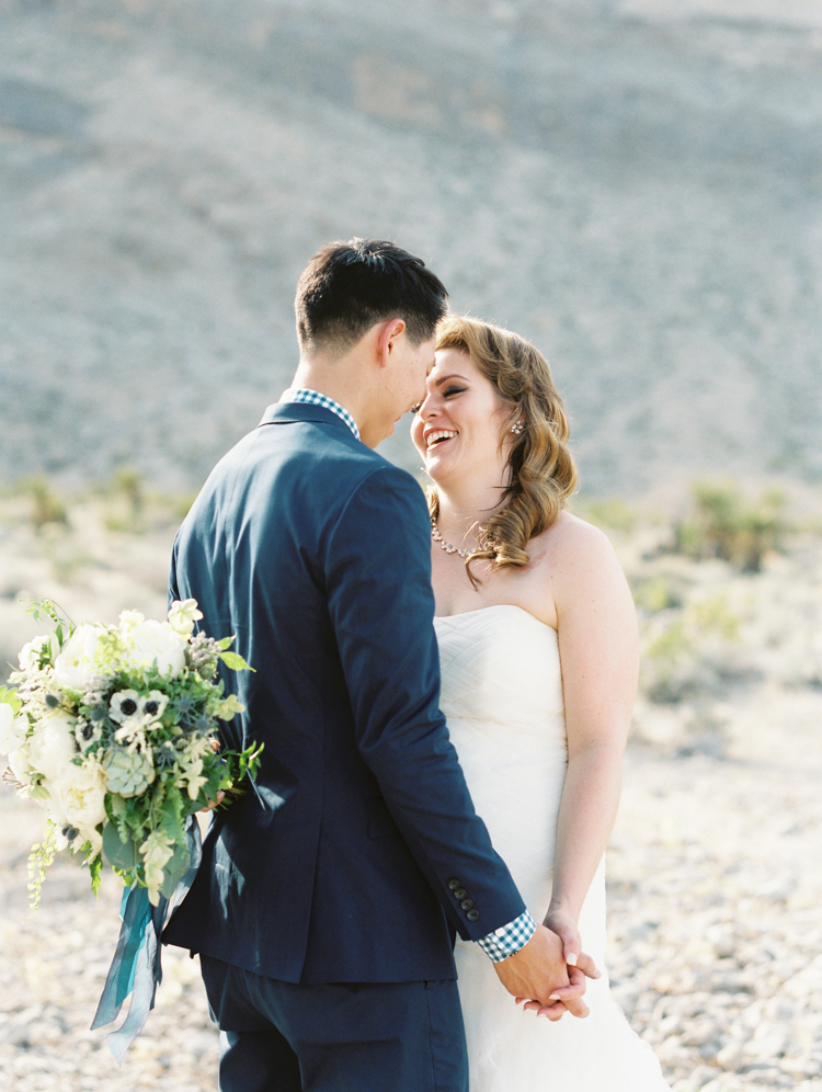 modern and classic destination vegas wedding | red rock resort wedding | gaby j photography | las vegas wedding photographers