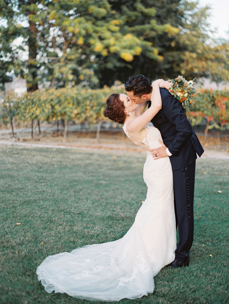pahrump valley winery wedding photographers | gaby j photography | intimate las vegas wedding ideas