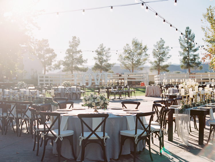 soft and romantic floral wedding decorations