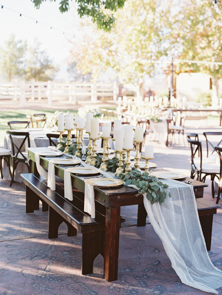 intimate and romantic floral wedding decorations