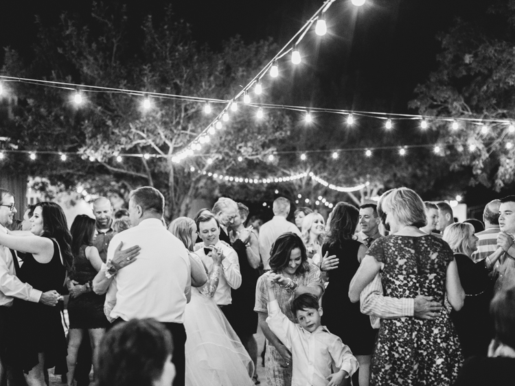 outdoor intimate reception in las vegas wedding photographer