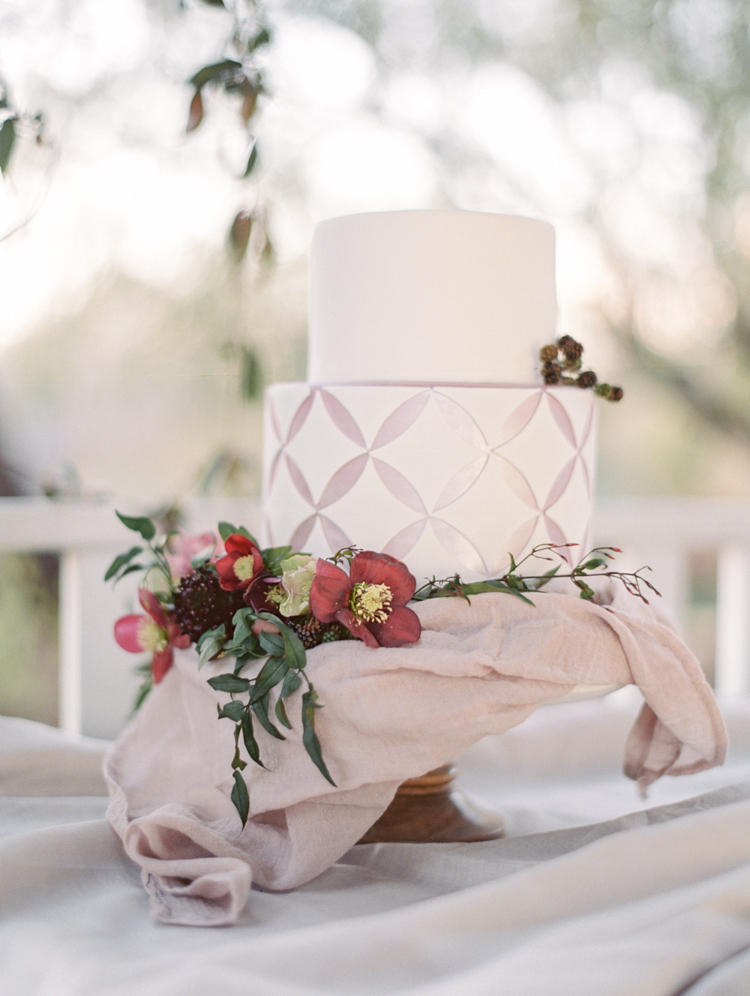 graceful romantic intimate tuscan inspired wedding cake