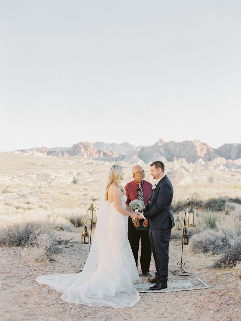 valley of fire gold ridge wedding