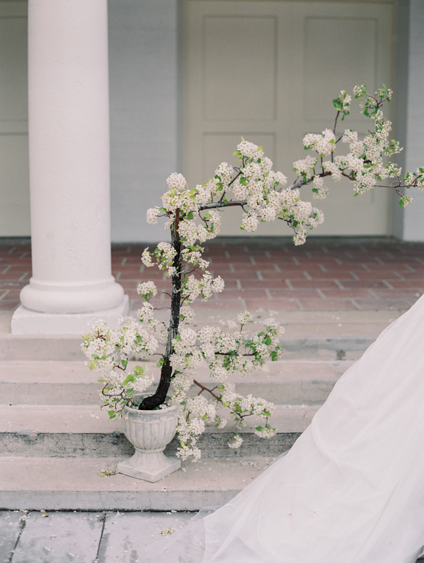 spring wedding ideas flower branches