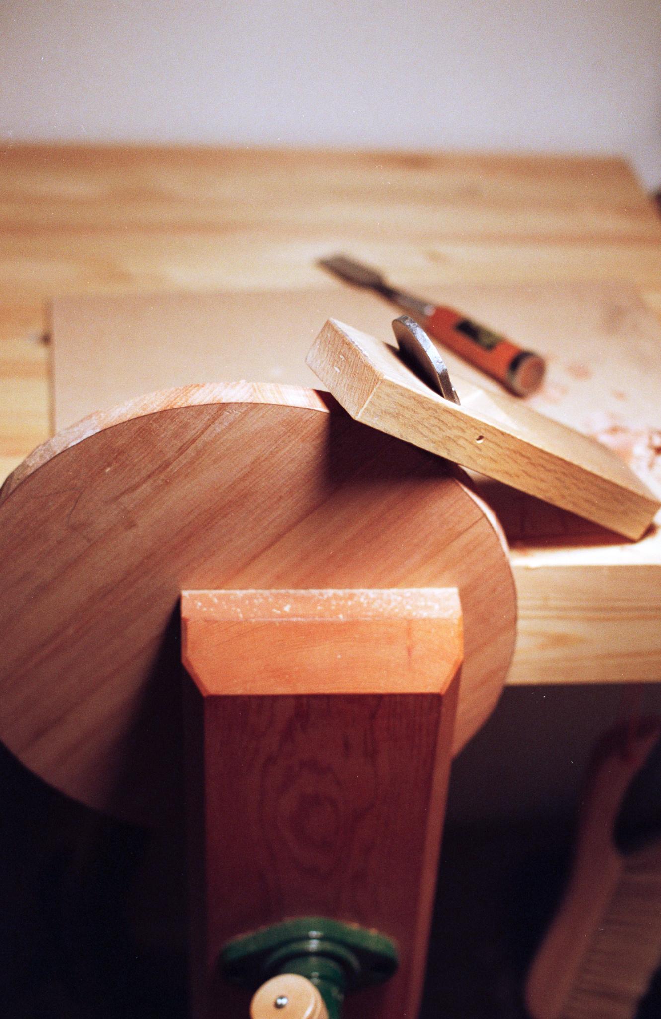 Rounding stool with Kanna hand plane PF
