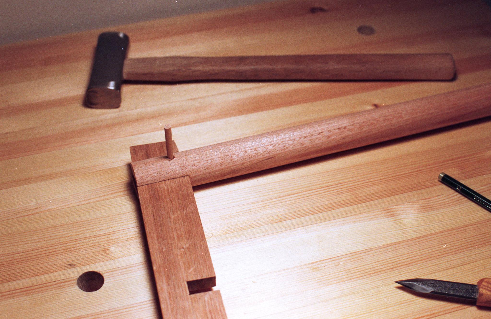 Hand tool stool pegging legs PF