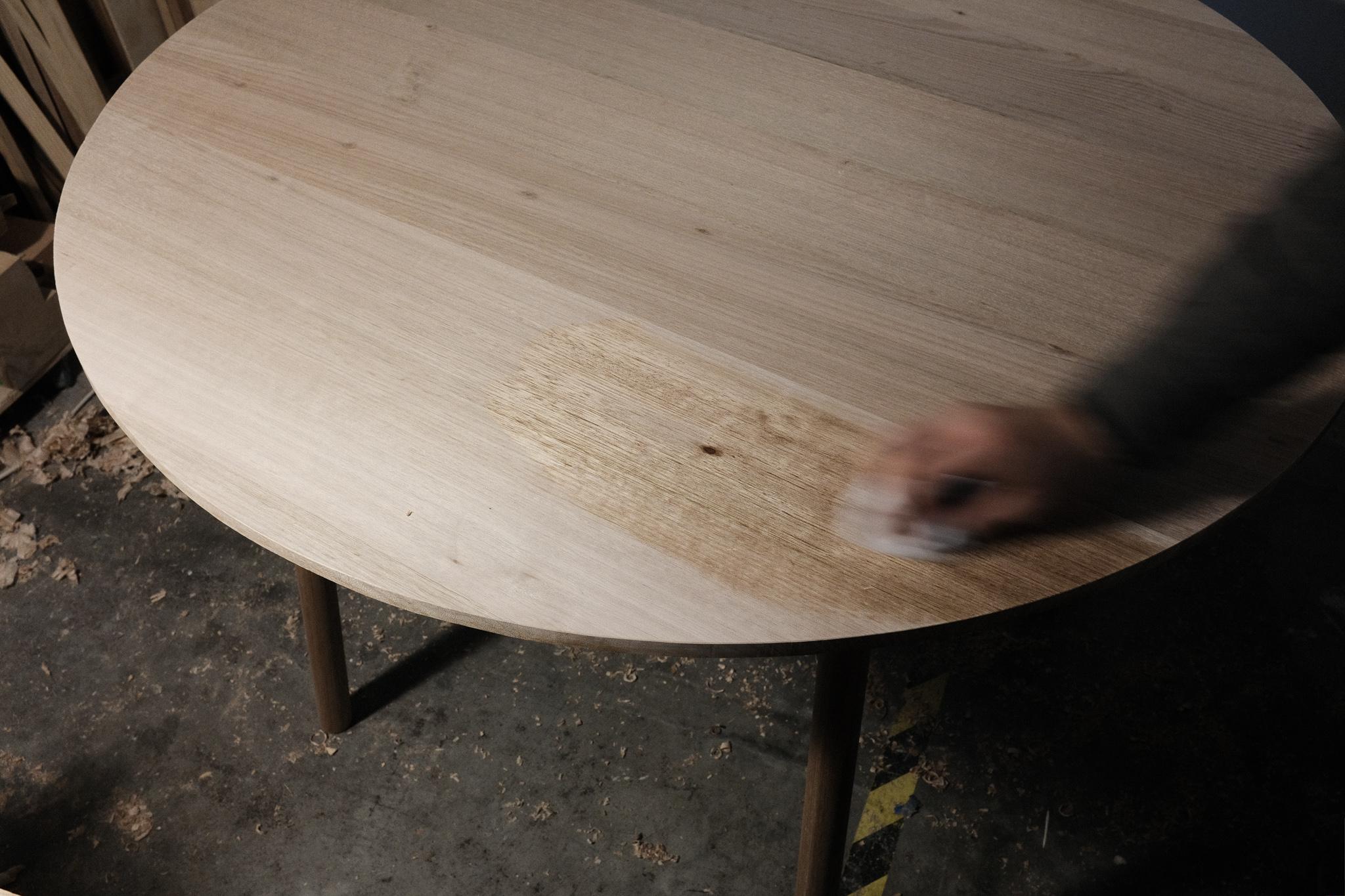 Finishing tete-a-tete table top Danish oil PF