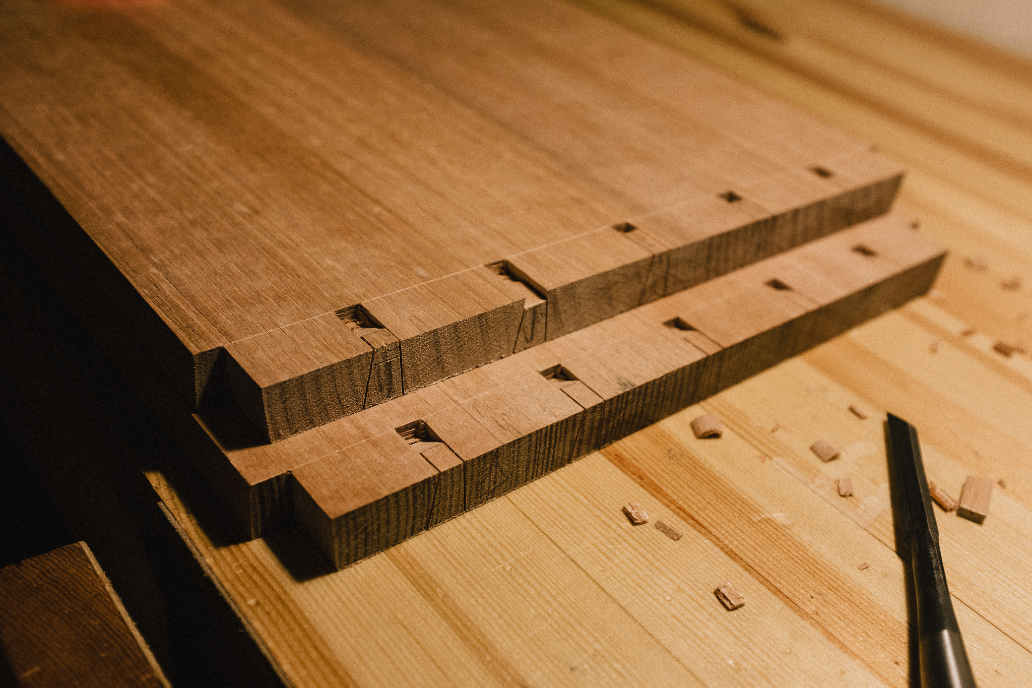 Removing dovetail waste