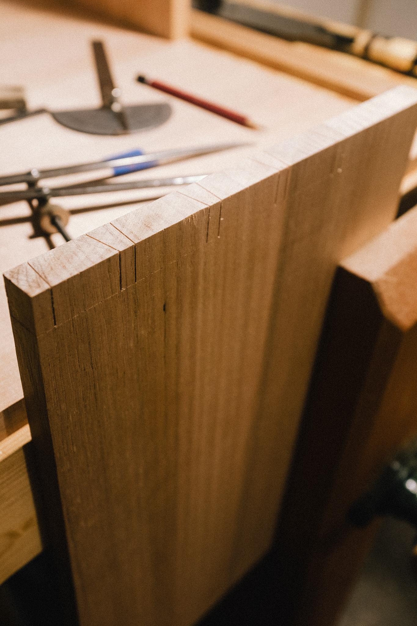 Dovetail saw lines