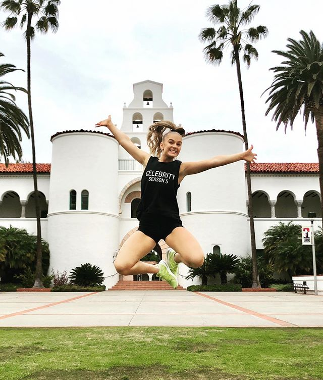 So proud of @lizrjewell!! Way to represent Celebrity and your teams at the @sdsucheer clinic this weekend. You're going to do big things❤️🖤