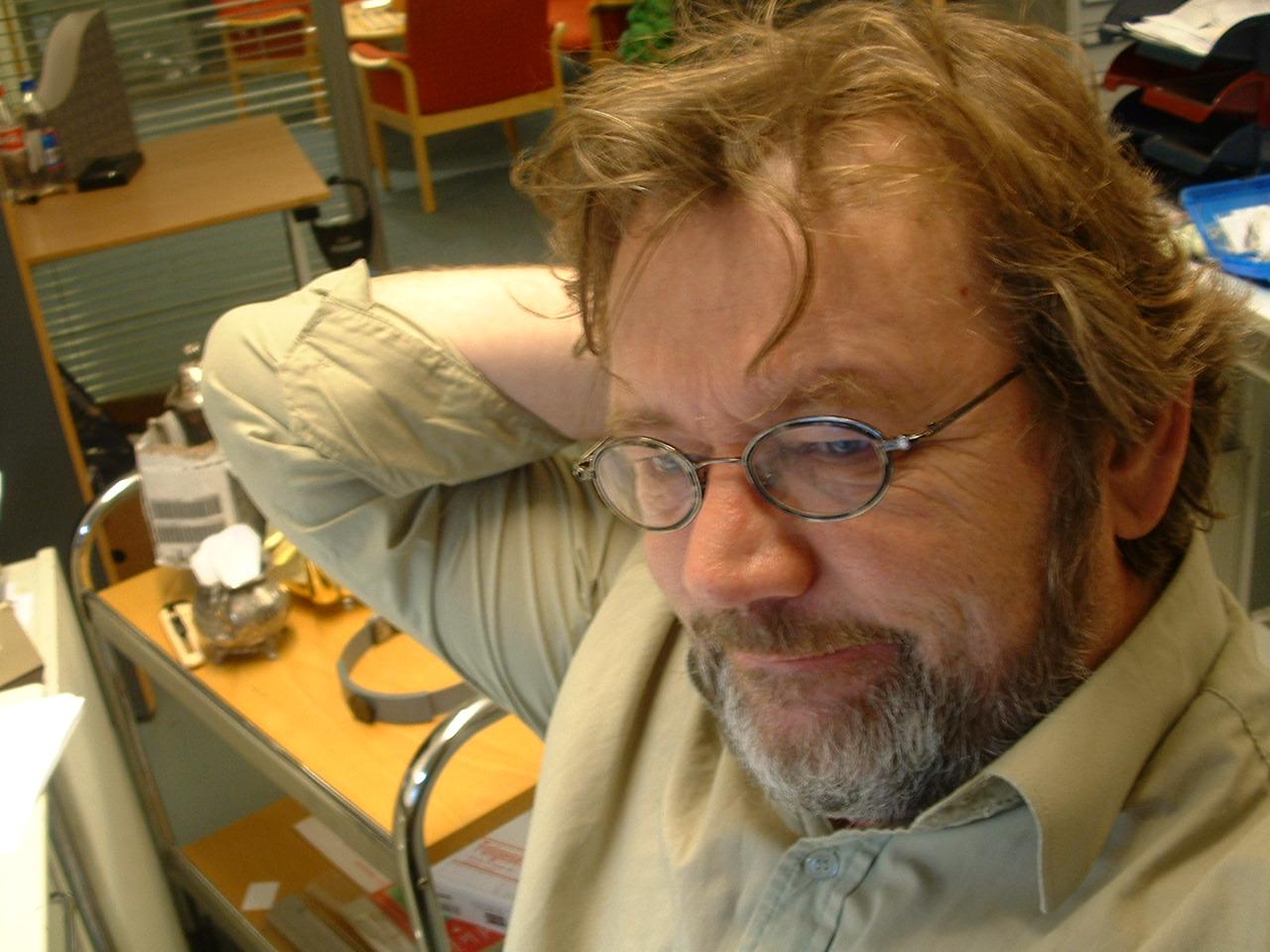 Bildet er av gullsmedsjefen Jørn, tatt i et av de ytterst få, rolige øyeblikk.