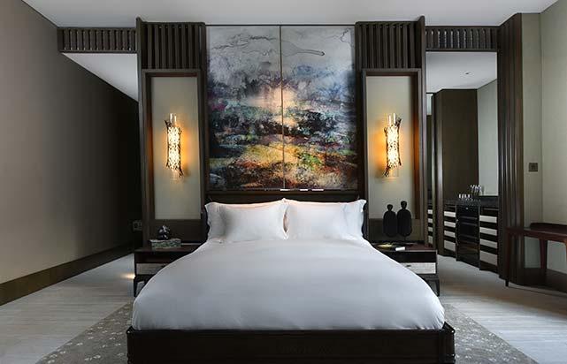 MLY562-Rainforest-Deluxe-Bed.jpg