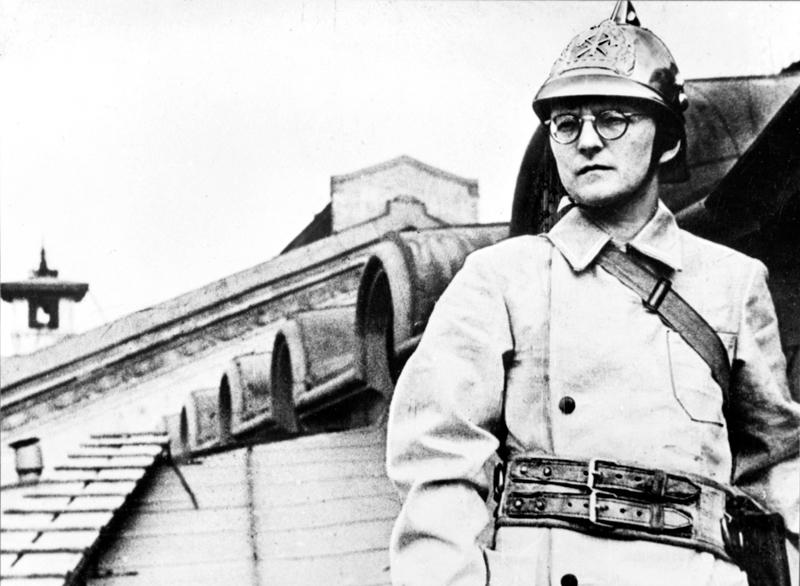 Schostakowitsch als Feuerwehrmann bei der Belagerung von Leningrad (St. Petersburg)