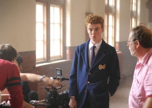 """Quelle:  http://www.northnorfolknews.co.uk . Alex Lawther in der Rolle des Benjamin Britten im Film """"Benjamin Britten: Peace and Conflict"""" (2013)."""